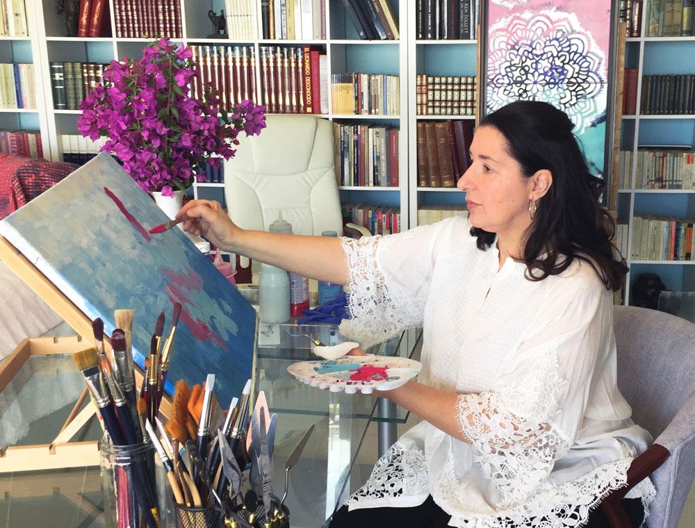La Artista Plástica Victoria Pardo es egresada de Bellas Artes de la Universidad Complutense de Madrid
