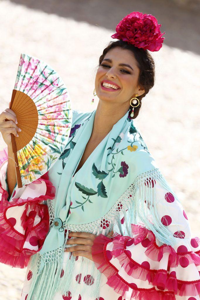 Conversaciones que Inspiran : Entrevista a la Sra. Fabiola García -Liñán por Victoria Pardo Artista Plástica - Colección 2020 de Alta Costura Flamenca - Mantoncillo