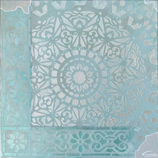 Elegancia, diseño y últimas tendencias con el Mandala Mare Nostrum de la Colección Magia y Color pintado a mano por Victoria Pardo Artista Plástica.